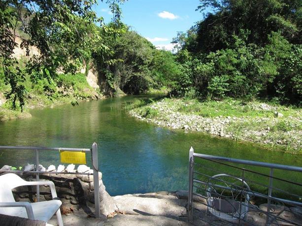 Tropical Retreat Munoz