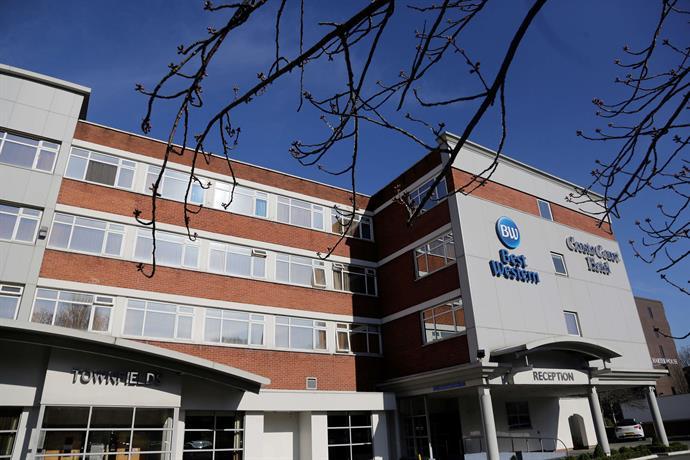 Cresta Court Hotel Altrincham Phone Number