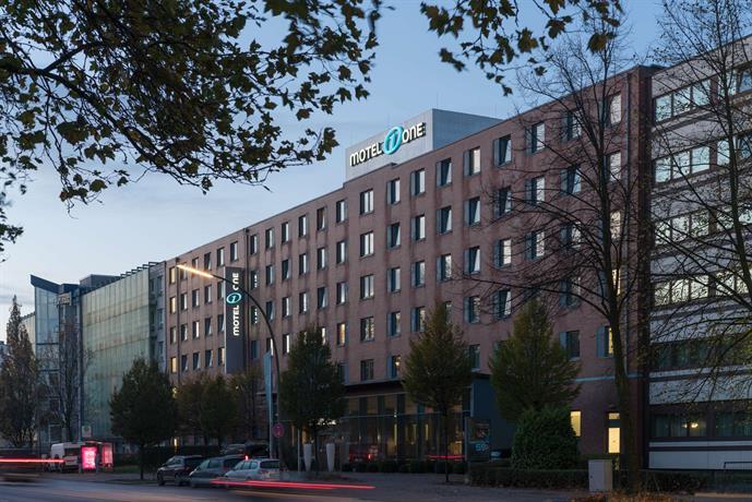Motel One Hamburg Altona Compare Deals