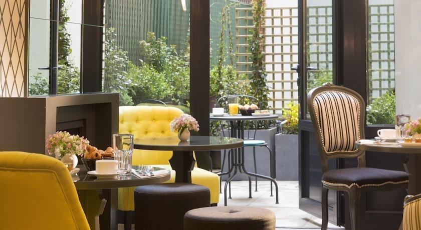les plumes hotel paris compare deals. Black Bedroom Furniture Sets. Home Design Ideas