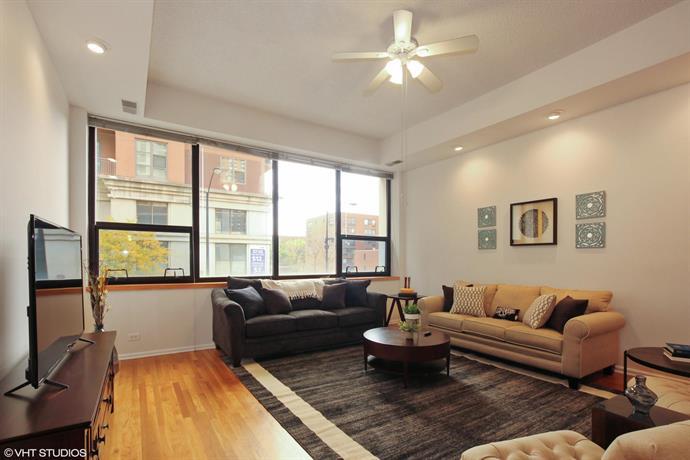 Premium 2BR Apartment in South Loop