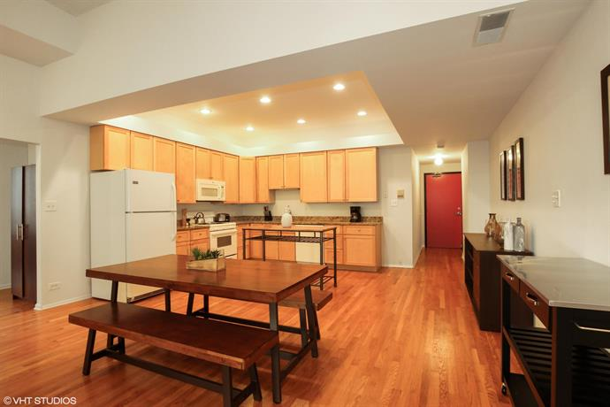 Premium 2BR Apartment in South Loop