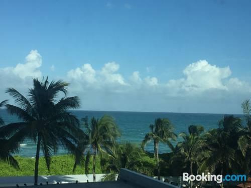 miami beach sunshine at casablanca compare deals. Black Bedroom Furniture Sets. Home Design Ideas