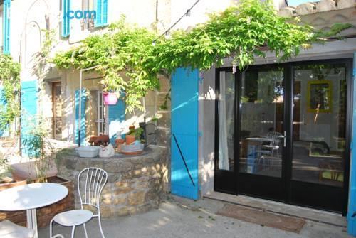 Les volets bleus provence salon de provence compare deals - Geant drive salon de provence ...