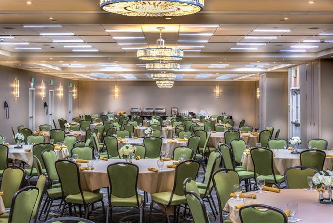 Hilton Garden Inn Reagan National Airport Arlington Compare Deals
