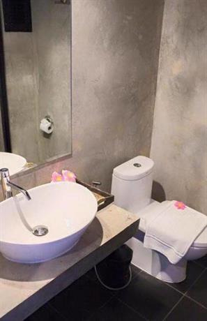 Guest Friendly Hotels in Chiang Mai - Thapae Loft Hotel