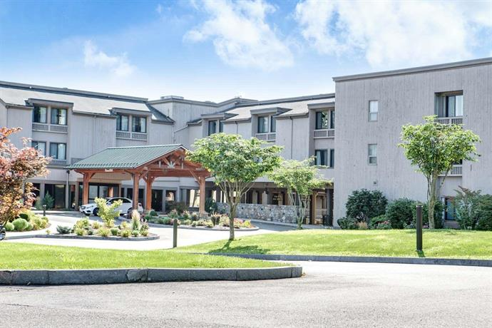 Heritage hotel and conference center bw premier collection - Southbury swimming pool contact number ...