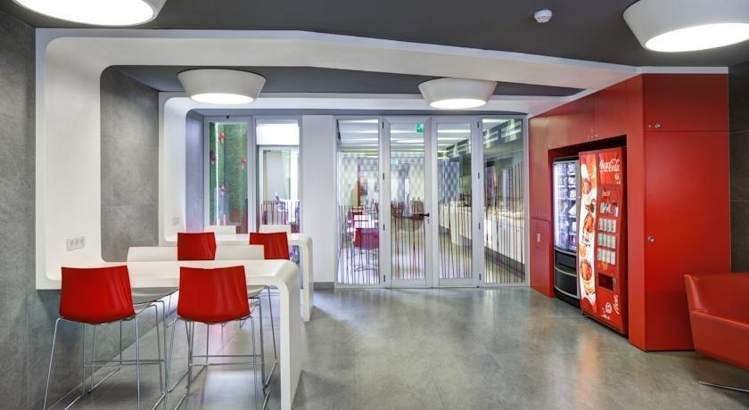 turin hotel barcelona compare deals. Black Bedroom Furniture Sets. Home Design Ideas