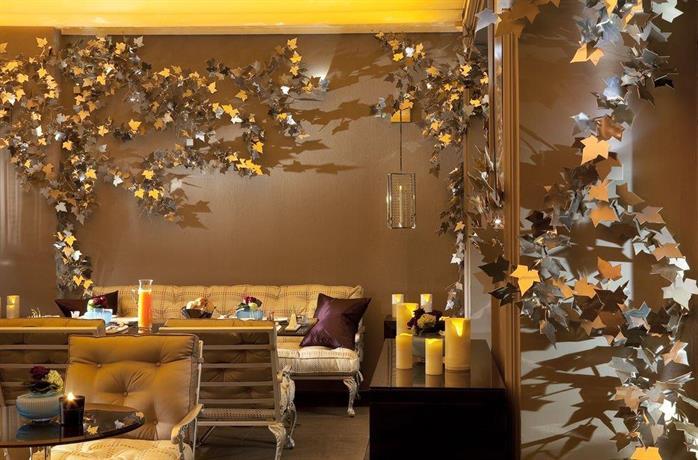 Hotel les jardins de la villa spa paris compare deals for Hotel les jardins de la villa paris 17