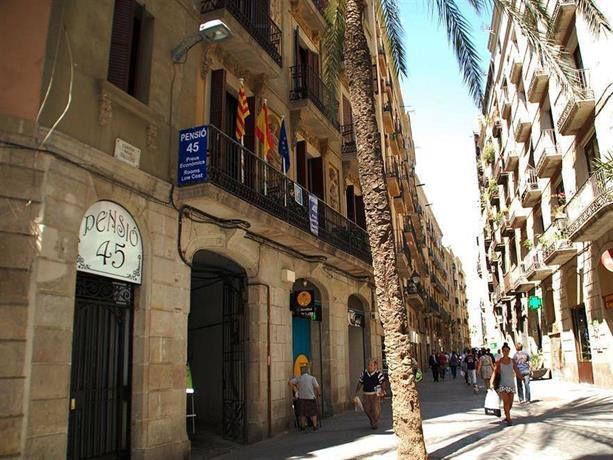 Pension 45 barcelona barcellona offerte in corso for Offerte barcellona