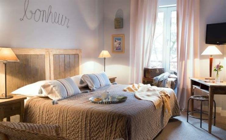 About Hotel De La Paix Montparne