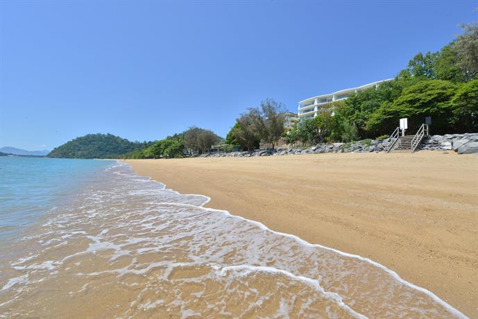 Bellevue At Trinity Beach, Cairns - Compare Deals