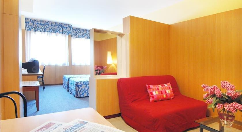 Aparthotel bonanova barcellona offerte in corso for Aparthotel barcellona