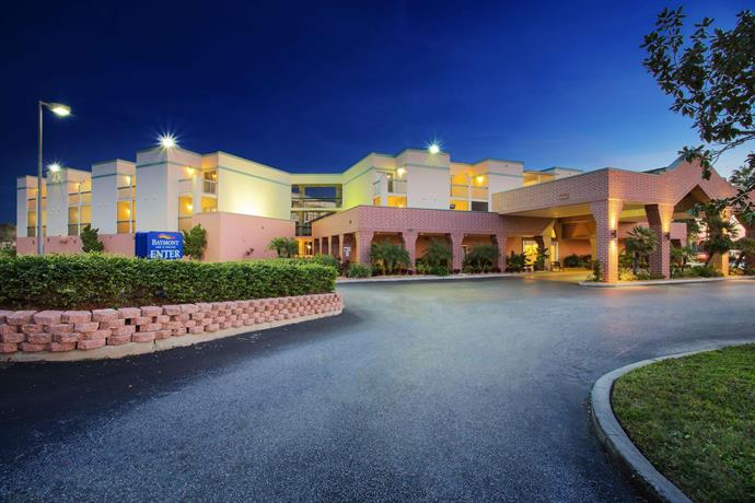 Baymont Inn and Suites Tampa Near Busch Gardens USF