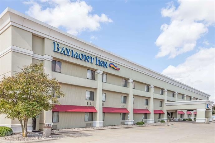 Baymont inn suites champaign urbana champaign city for The baymont