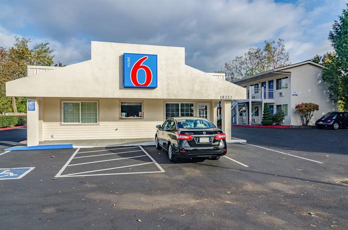 Motel 6 Gresham OR