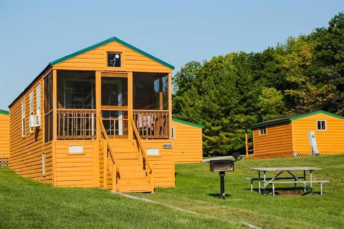 Plymouth rock camping resort elkhart lake offerte in corso for Cabin cabin in wisconsin dells con piscina all aperto