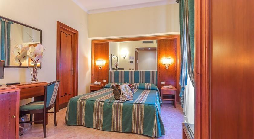 lux hotel rome compare deals. Black Bedroom Furniture Sets. Home Design Ideas