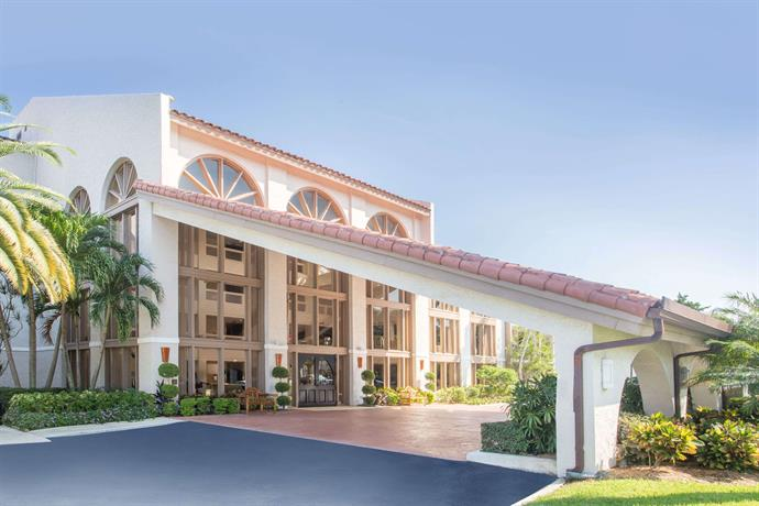 wyndham boca raton hotel compare deals. Black Bedroom Furniture Sets. Home Design Ideas