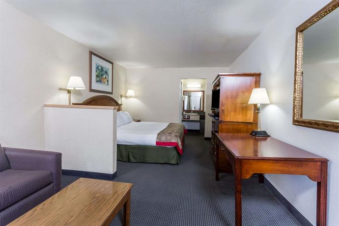 ramada by wyndham vallejo near six flags discovery kingdom compare