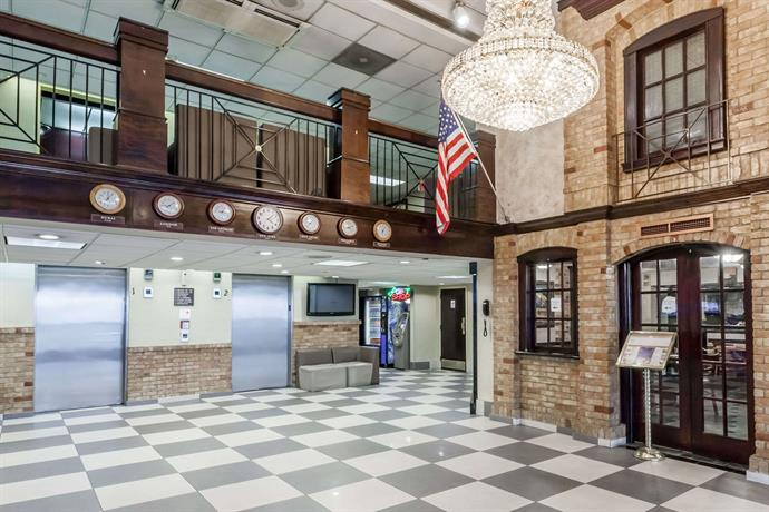 Howard Johnson by Wyndham Newark Airport