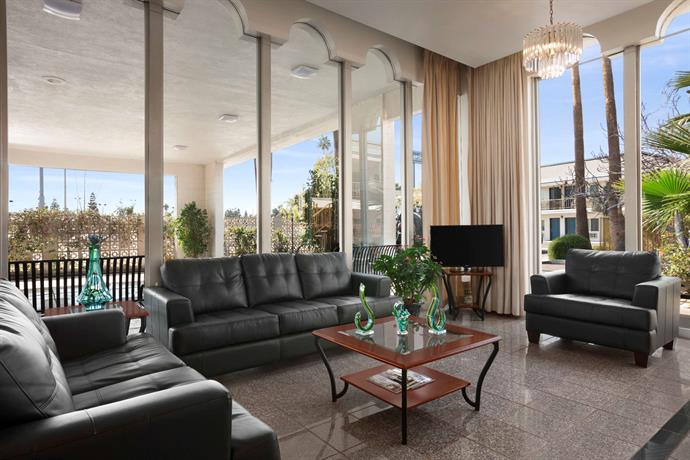 Travelodge Bakersfield Compare Deals