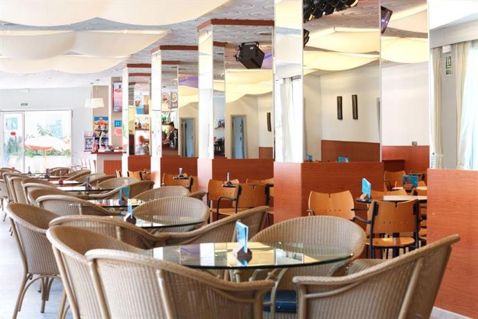hotel oasis park calella comparez les offres. Black Bedroom Furniture Sets. Home Design Ideas
