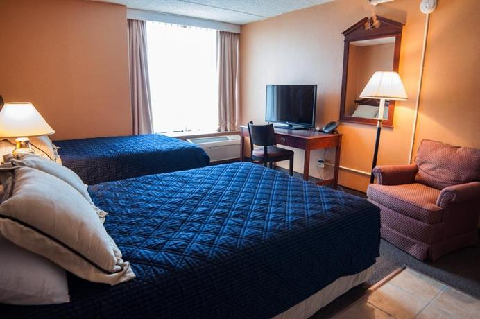 Rodeway Inn - North Aurora