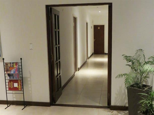 Hotel puerta del sol pinamar compare deals for Hotel puerta de sol