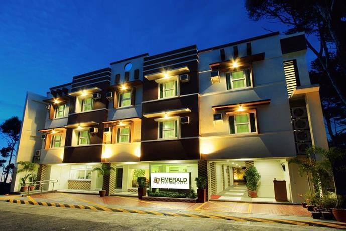 Emerald boutique hotel legazpi city compare deals for Boutique hotel