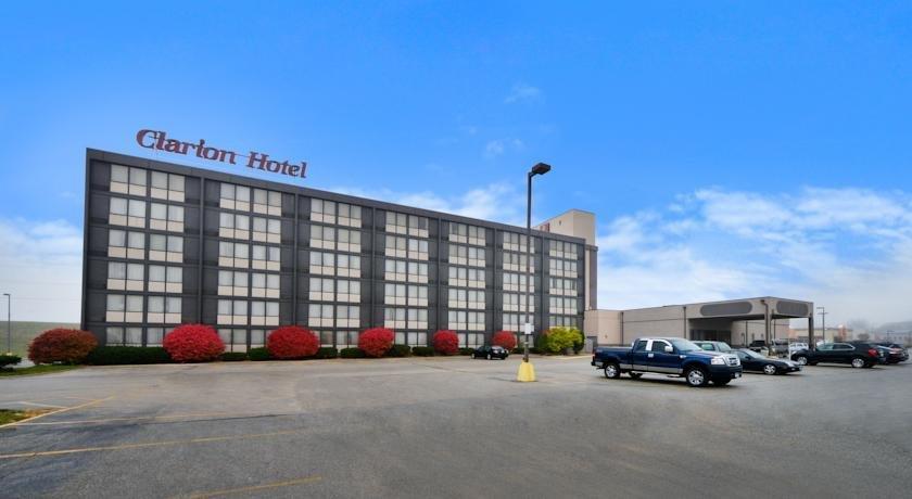 FairBridge Hotel & Conference Center Cedar Rapids