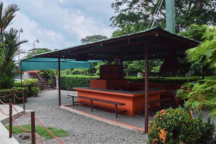 Camping y cabinas el tecal uvita offerte in corso for Cabin cabin in wisconsin dells con piscina all aperto