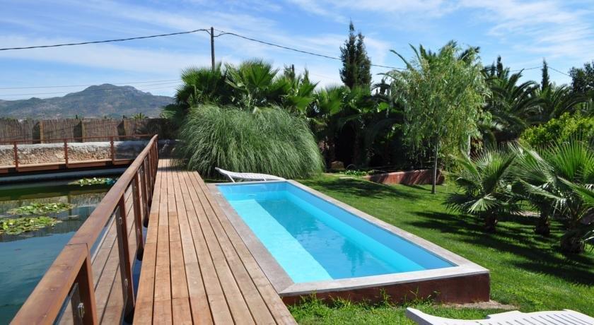 Tancat de codorniu hotel alcanar compare deals for Hoteles con piscina en tarragona