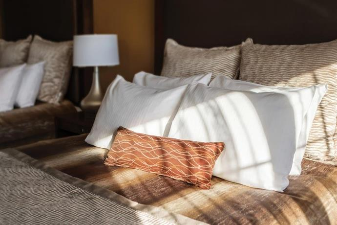 ClubHouse Hotel - Fargo