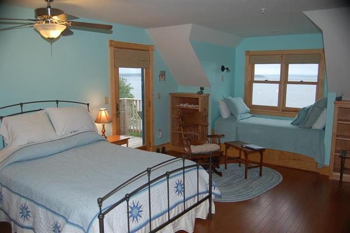 Wave Walker Bed And Breakfast Maine