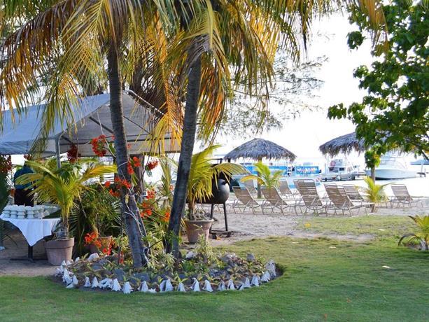Oualie Beach Resort Newcastle Saint Kitts And Nevis