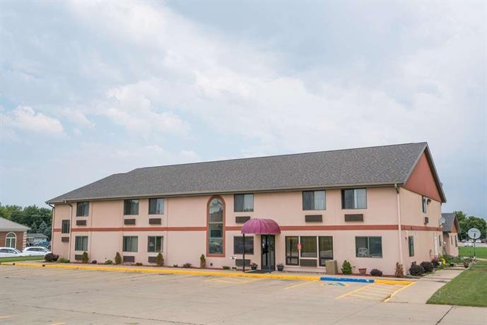 Heartland Hotel & Suites