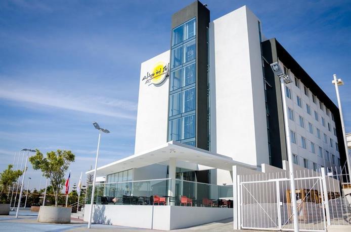 Alto del sol plaza mejillones compare deals for Hotel plaza de sol