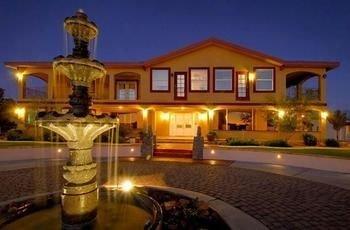 Dream Manor Inn