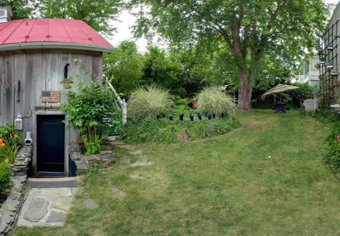 Lily Garden Bed and Breakfast