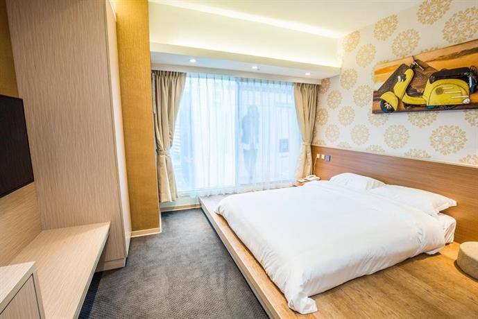 Hotel fun ximen branch taipei city compare deals for Design hotel ximen zhonghua