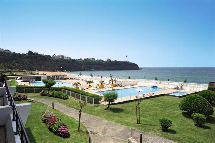 belambra hotels resorts anglet biarritz la chambre d 39 amour compare deals. Black Bedroom Furniture Sets. Home Design Ideas