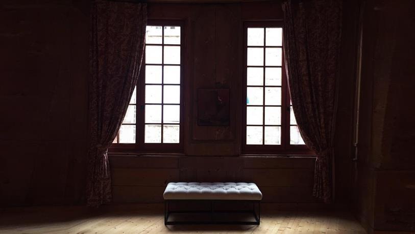 chambre d 39 hotes du lac de fugeres le puy en velay compare deals. Black Bedroom Furniture Sets. Home Design Ideas
