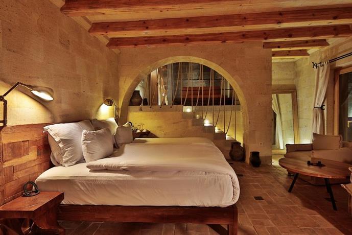 Millstone Cave Suites Hotel