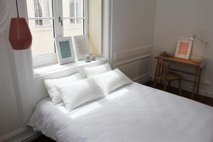 away hostel coffee shop lyon compare deals. Black Bedroom Furniture Sets. Home Design Ideas