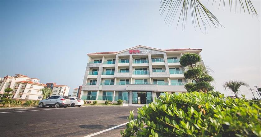 Sunbeach Resort