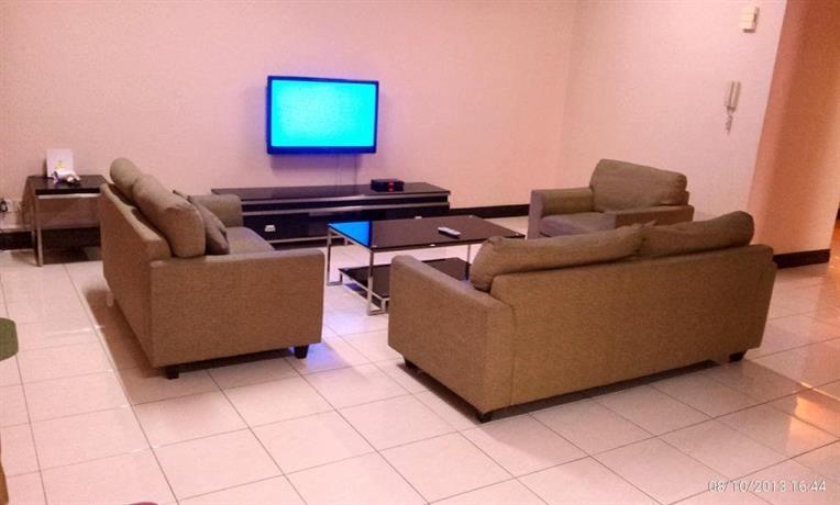 KK-Suites Residence at Marina Court Resort Condominium, Kota ...