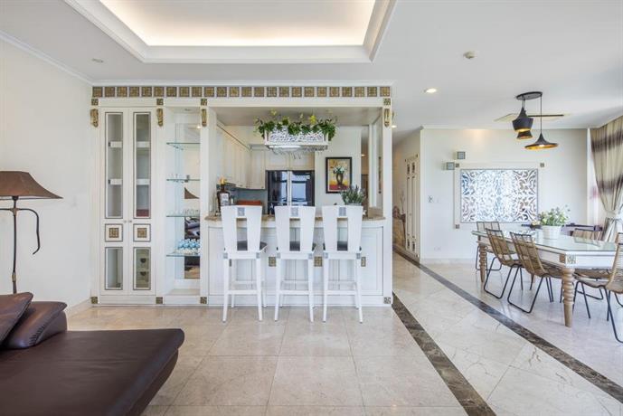 Balcony seaview nha trang centre compare deals for Balcony nha trang hotel