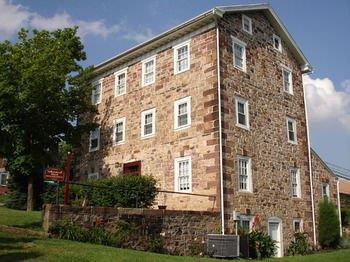 Historic Schoeneck Hotel B&B LLC