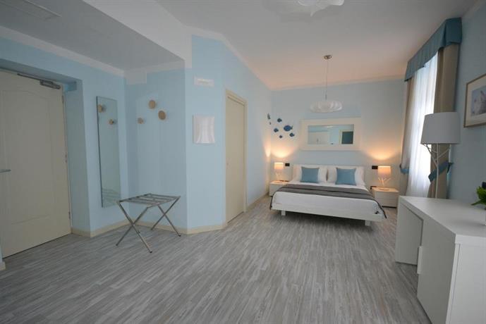Hotel villa bernt grado die besten deals vergleichen for Hotel meuble villa patrizia grado